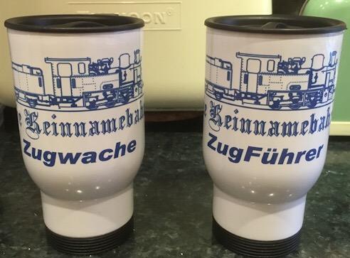 Die Keinnamebahn travel mugs
