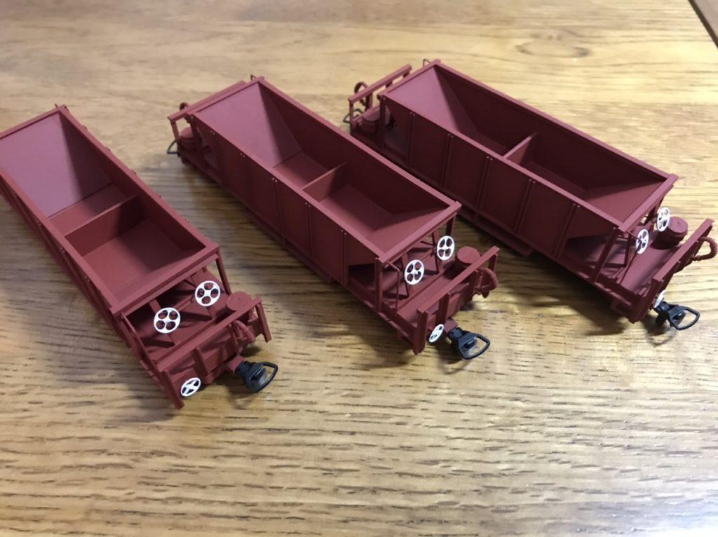 Scratch-built H0e hopper wagons by Leigh Hulatt